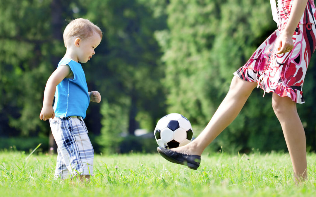 Soccer Games at Home : 1 on 1 Vs Mom